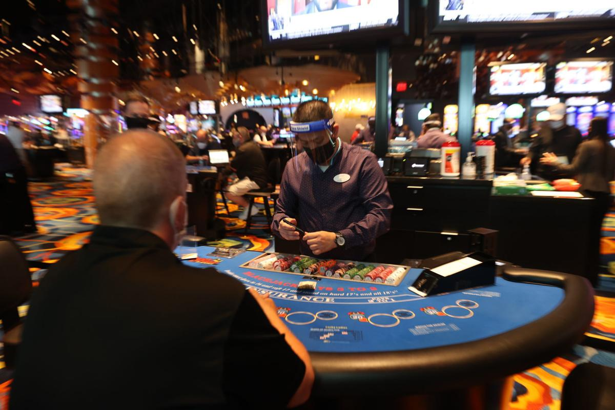 Several Types of Interesting Games on Online Gambling Sites