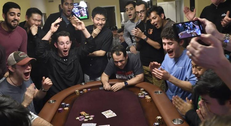 Directions for playing Poker Online to Win Lots